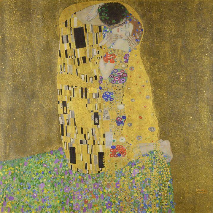 Kunstverk i gultoner. The kiss av Gustav Klimt.
