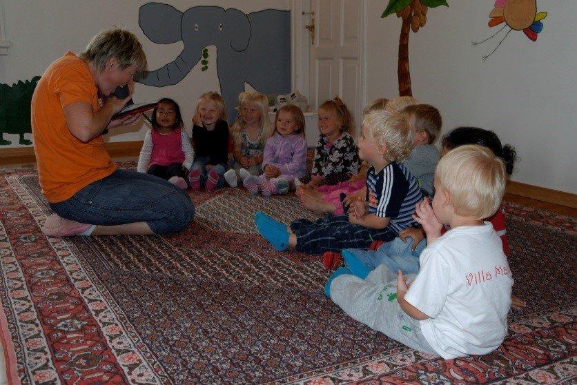 Samlingsstund i barnehagen.