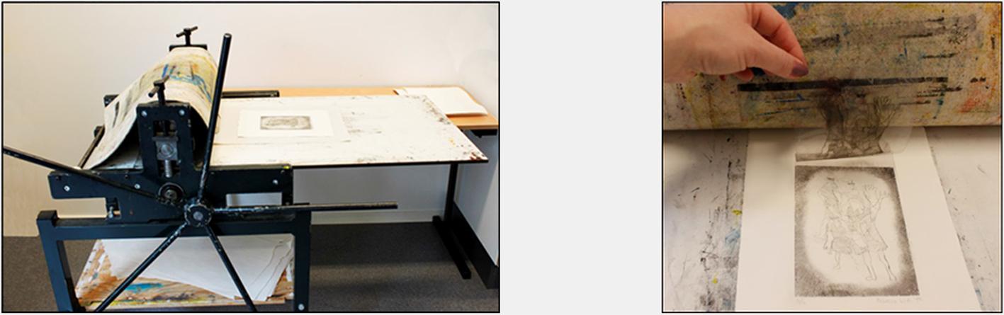 Trykkplate + fuktet bøttepapir kjøres gjennom grafikkpressen.Ferdig dyptrykk!