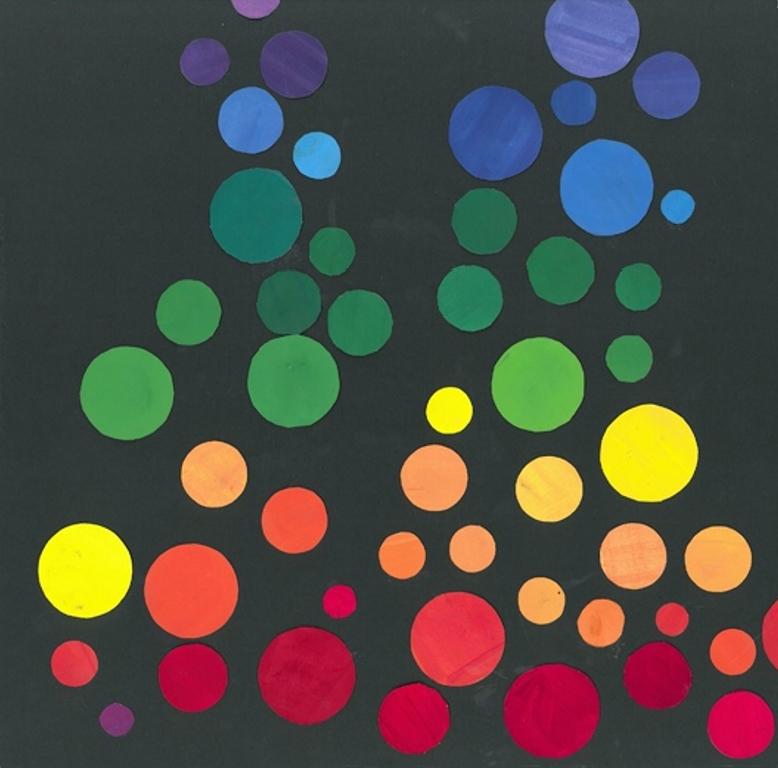 Malte sirkler i ulike farger og størrelser.